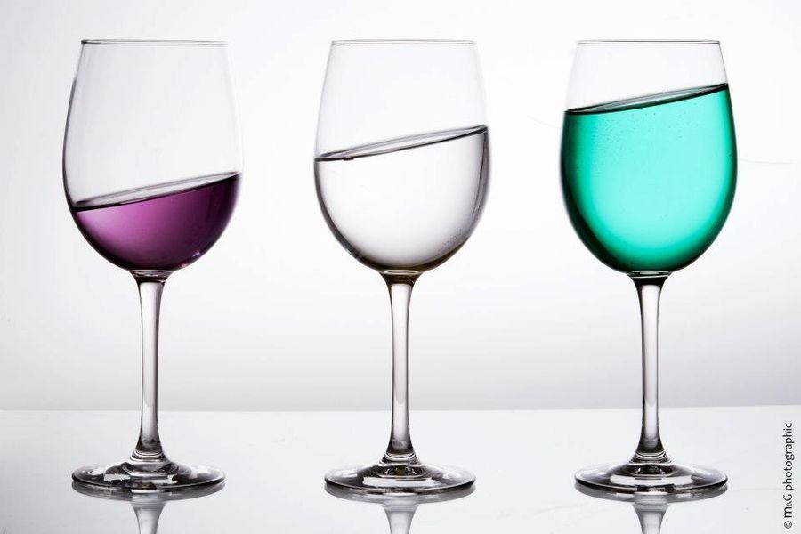 Annecy trois verres en situation penchée