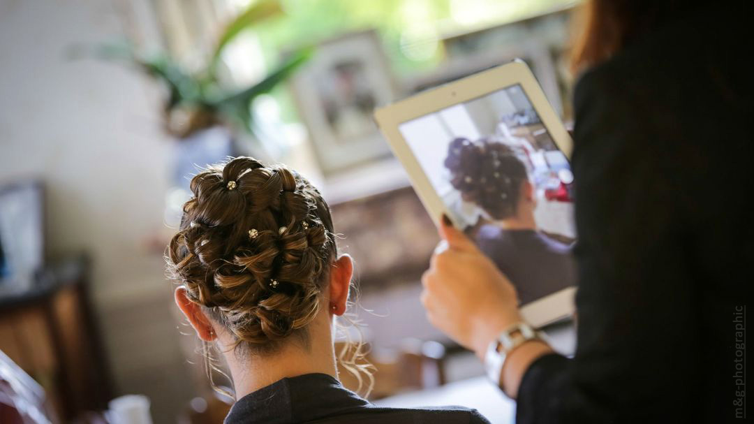 Photographe annecy geneve mariage preparatif coiffure photo